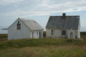 Le ex case del guardiano e degli assistenti al faro di Skomvær