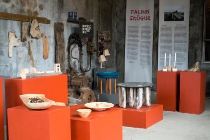 Mostra Falinn Skógur nell'ex fabbrica di aringhe a Djúpavík